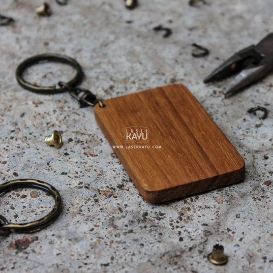 Bahan-Souvenir-acara-perkawinan,-perusahaan-Gantungan-Kunci-kayu-Jati-jakarta,-bandung-tangerang-laser