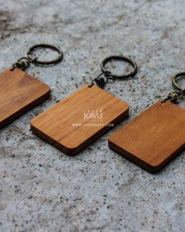 Bahan-Souvenir-terbaik-acara-perkawinan,-perusahaan-gathering--Gantungan-Kunci-kayu-Jati-jakarta,-bandung-tangerang-kalimantan-laser