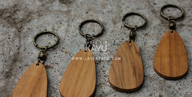 bahan-material-JUal-Kerajinan-Gantungan-Kunci-Kayu-Jat-termurah-Laser-Kayu-jakarta-bandung-sumatera-bali-indonesia