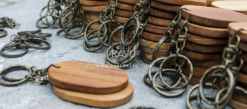 Distributor Pembuat bahan gantungan kunci kayu jati Jawa, Sumatera, Kalimantan, Bali, Sulawesi, Nusa Tenggara , Irian jaya Indonesia