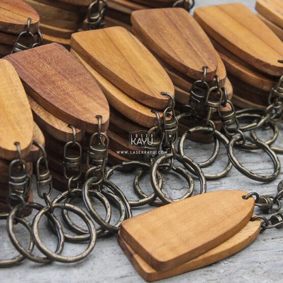 Distributor-Perusahaan-Souvenir-bahan-kerajinan-souvenir-gantungan-kunci-kayu-jati-terbaik-jakarta,-bandung