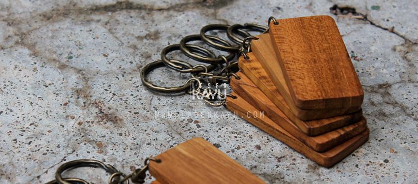 Jual-Souvenir-Kerajinan-Bahan-Material-gantungan-kunci-kayu-jati-kotak-ring-Tembaga-custom-