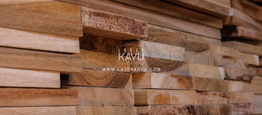 Limbah-kayu-jati-coklat--terbaik-Jepara-untuk-kerajinan-laser-kayu-acara-pernikahan,-komunitas-jakarta,-bandung-lampung-Indonesia