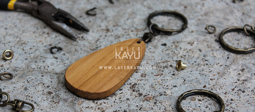 bahan-material-JUal-Kerajinan-Gantungan-Kunci-Kayu-Jat-termurah-Laser-Kayu