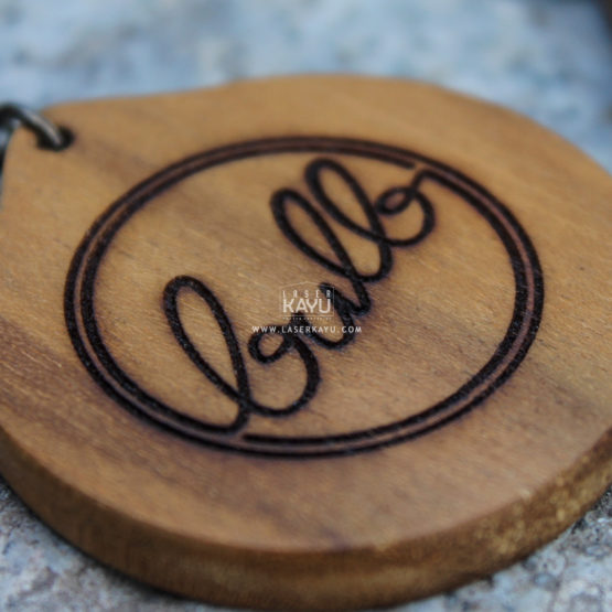 Merchandise-Detail Laser-Kayu-Lingkaran-Custom- Terbaik Logo Kerajinan-Kayu-Jati-Indonesia