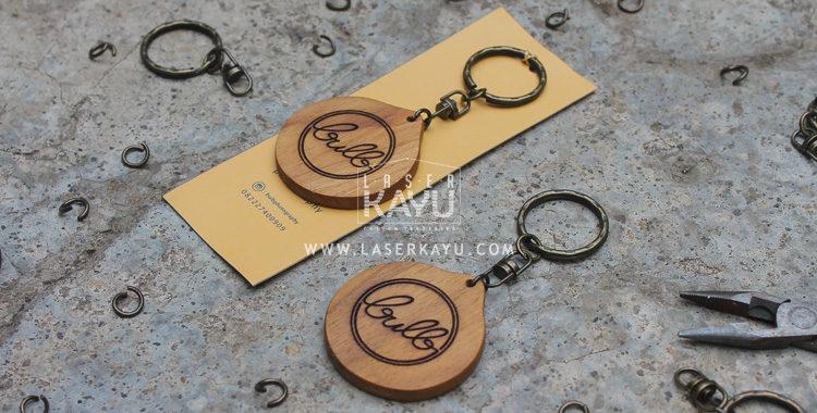 Merchandise-Laser-Kayu-Lingkaran-Custom Engraving- Terbaik Logo Kerajinan-Kayu-Jati-Jawa sumatera, Kalimantan Indonesia