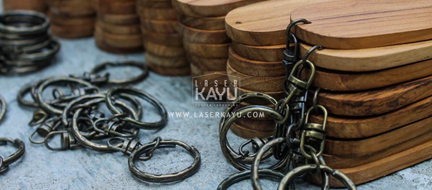 Distributor bahan gantungan kunci kayu jati Jawa, Sumatera, Kalimantan, Bali, Sulawesi, Nusa Tenggara , Irian jaya Indonesia