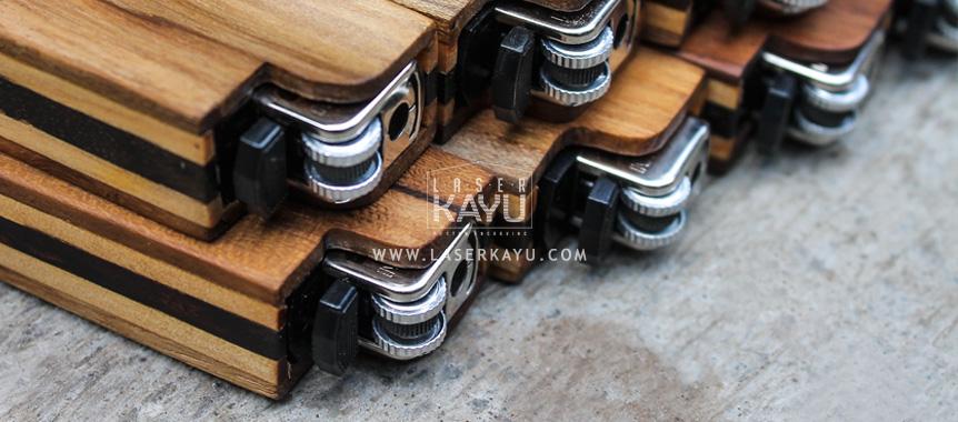 Kerajinan-Tempat-Case-casing-Korek-Api-gas-Kayu-custom-laser-Kayu-Jati-Sono-Jepara-Indonesia