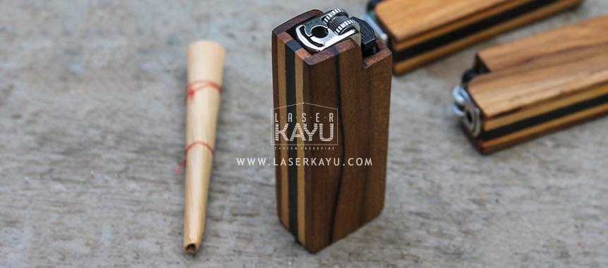 Souvenir-Kerajinan-unik-Tempat-chasing-Case-casing-Korek-Api-gas-Kayu-custom-laser-Kayu-Jati-Sono-Jepara-Indonesia