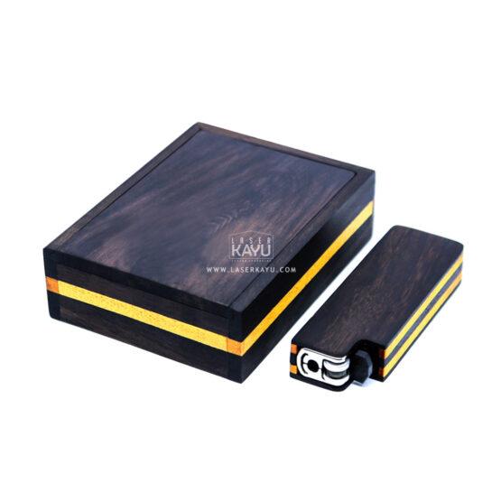 Pembuat-Kerajinan-terbaik-Kotak-Kayu-sono-tempat-korek-api-Tokai dan-perhiasan-grafir-laser-kayu-Jepara-Indonesia
