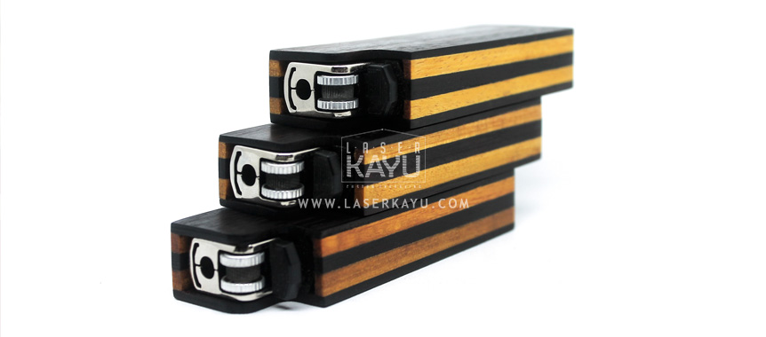 Pembuat-Kerajinan-terbaik-Kotak-Kayu-sonoi-tempat-korek-api-dan-perhiasan-oleh-grafir-laser-kayu-Jepara-Indonesia